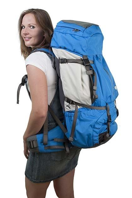 Frau mit Wanderrucksack